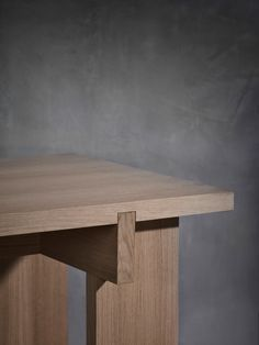 Fine Wood Table Designs Look around as you move throughout your day. From mailbox posts to pieces of furniture and art to full buildings, the power to use wood to create is Woodworking Furniture Plans, Wood Furniture, Furniture Design, Wood Table Design, Wood Joints, Wood Detail, Furniture Inspiration, Wooden Tables, Wooden Diy