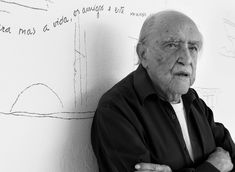 The picasso of architecture - Oscar Niemeyer - DSTRCT Ancient Greek Architecture, Chinese Architecture, Modern Architecture House, Futuristic Architecture, Modern Houses, Oscar Niemeyer, Zaha Hadid Architects, Famous Architects, Picasso