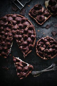 Paj med vaniljfyllning och chokladmousse
