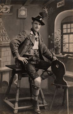 A typical Bavarian Lederhosen suit.this lovely vintage photo is absolutely beautiful and the look is still worn today. Vintage Photographs, Vintage Photos, Old Photos, Vintage Stuff, Sven Bender, Photos Originales, German Fashion, Folk Costume, Costumes