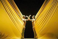 Sidi Larbi Cherkaoui y María Pagés en el espectáculo 'Dunas'. | L. Castilla | Bienal de Flamenco