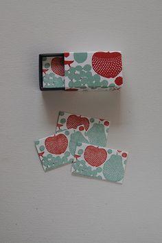 Message Card Mini in Matchbox - Apple & Pear