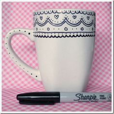 Sharpie + mug. There is debate on whether the sharpie stays on or washes away. Oil based sharpies recommended and then bake at 450 for 30 mins. Sharpie Art Projects, Sharpie Crafts, Diy Projects To Try, Sharpie Pens, Sharpies, Project Ideas, Sharpie Mug Designs, Sharpie Plates, Sharpie Coffee Mugs