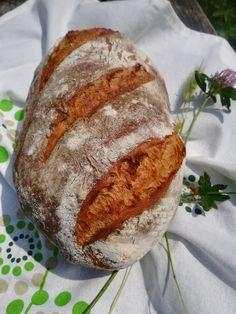 To jest jeden z tych chlebów, które piekę z większą ochotą i częstotliwością. Niczym nie odbiega w smaku od typowych chlebów wymagających długiej fermentacji, a przygotowuje się go znacznie szybciej, co jest niewątpliwie jego wielką zaletą, zwłaszcza, gdy za oknem prawie lato i chce się korzystać ze słońca ile się da. Ale do sedna. Macie […] Bon Appetit, Baked Goods, Breads, Food And Drink, Pizza, Diet, Bakken, Bread Rolls, Bread