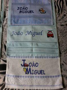 toalhas infanti bordadas em ponto cruz