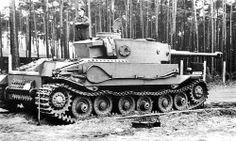 Un des 5 prototypes de la version Porsche du Tiger, le VK 45.01(P) entièrement assemblé, sans doute photographié à l'été 1942.