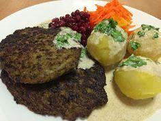 Liian hyvää: Jauhemaksapihvit Finland Food, Baked Potato, Food And Drink, Healthy Recipes, Healthy Food, Beef, Dinner, Baking, Ethnic Recipes