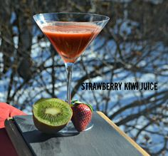 Juicing Recipe: Strawberry and Kiwi - Being Alison