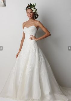 Hot Sale Strapless Wedding Gown with Applique Simple A-line Shape