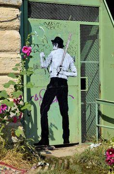 Dessin de rue – New Street Art creations by Levalet