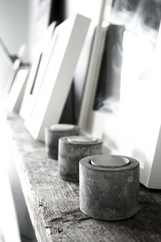 How adorable are those handmade concrete candle holders? I already imagine one of them in my living room! Concrete Art, Concrete Design, Concrete Stone, Concrete Furniture, Scandinavian Style, Concrete Candle Holders, Interior Stylist, Home And Deco, Decoration