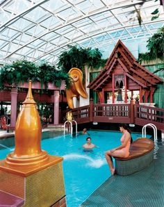 The Solarium onboard the Jewel of the Seas of Royal Caribbean Cruise Lines.