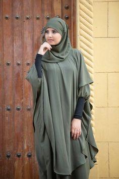 Long khimar with cut to the collar: Hijab Wedding Dresses, Disney Wedding Dresses, Hijab Bride, Moslem Fashion, Niqab Fashion, Fashion Outfits, Muslim Brides, Muslim Women, Pashmina Hijab Tutorial