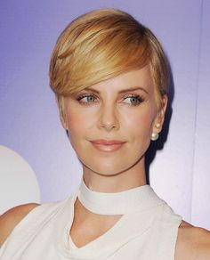 Look of the week: Charlize Theron wore the prettiest rose gold eyeshadow color at Variety's Women in Power event