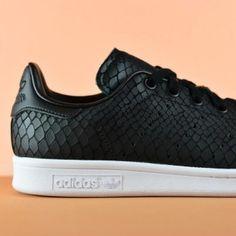 S75137_amorshoes-adidas-stan-smith-labrada-serpiente-piel-negra-S75137