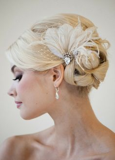 Bridal Feather Fascinator, Wedding Feather Headpiece, Feather Fascinator, Bridal Feather Headpiece, Ivory Feather Hair Clip – CALI - Hairstyles For All Feather Headpiece, Bridal Fascinator, Feather Hair Clips, Bridal Headpieces, Fascinators, Feather Hair Pieces, Bridal Updo, Wedding Hair And Makeup, Wedding Updo