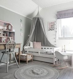 Muted gray design in this modern toddler room - dreamy! Muted gray design in this modern toddler room – dreamy! Baby Bedroom, Girls Bedroom, Bedroom Decor, Canopy Bedroom, Bedroom Inspo, Deco Kids, Toddler Rooms, Daughters Room, Kids Room Design