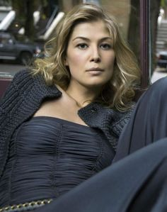 Rosamund Pike is credited as Bond girl, Best Supporting Actress award, . Rosamund Mary Elizabeth Pike is a British actress. Her film roles include villainous Bond girl Miranda Frost in Die Another Day, Jane Bennet in Pride Rosamund Pike, Beautiful Celebrities, Beautiful Actresses, Most Beautiful Women, Gone Girl Actress, Bond Girls, Actrices Hollywood, Undercut Hairstyles, Hollywood Celebrities