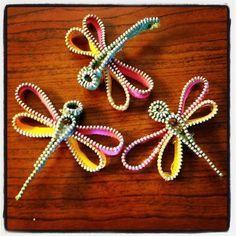 Help [ME] Ronda: Dragonfly Zipper Tutorial Felt Crafts, Fabric Crafts, Sewing Crafts, Sewing Projects, Craft Projects, Diy Crafts, Diy Zipper Crafts, Project Ideas, Zipper Flowers