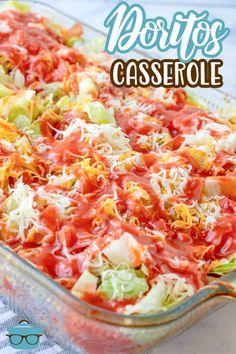 This Dorito Casserole recipe is layers of seasoned ground beef, doritos, shredded cheese, lettuce, tomato and catalina dressing! A guaranteed hit with the family! Casserole Recipes, Crockpot Recipes, Cooking Recipes, Healthy Recipes, Doritos Casserole, Doritos Taco, Dinner Recipes Easy Quick, Easy Meals, Cinco De Mayo
