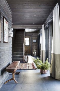 48 Fantastic Rustic Hallway Designs That Will Inspire You With Ideas - Trendecorist Cabin Homes, Log Homes, Modern Interior Design, Interior Design Living Room, Cottage Hallway, Modern Log Cabins, Hallway Designs, A Frame Cabin, Scandinavian Style