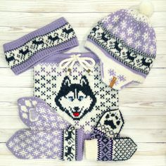Warm, bright and creative accessories and clothes by Woolknitcolor Mittens Pattern, Dog Pattern, Knit Mittens, Knitting Socks, Knitted Christmas Stockings, Christmas Knitting, Green Mittens, Warm Socks, Warm Outfits