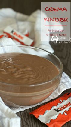 Crema kinder, perfetta per farcire Mini Desserts, Delicious Desserts, Yummy Food, Creme Dessert, Pie Dessert, Chocolate Treats, Chocolate Recipes, Sweet Recipes, Cake Recipes