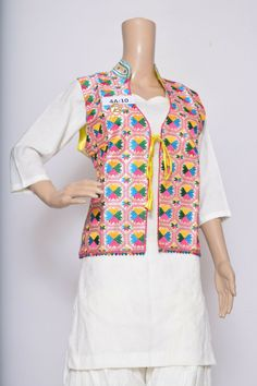#Rreflection Collection Special Phulkari Jacket  Silk Base,  Free Size  Best Fit for M, L, XL For more details whatsapp on +91-9212462240 Code-HDI #PhulkariSuits #PhulkariDupatta #Ladies #WomenFashion #NewTrend #LatestStock #PunjabiCollection #PunjabiSuits #Jackets #PhulkariJackets