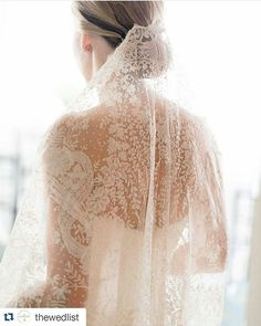 #Repost @thewedlist with @repostapp ・・・ Take elegance to a whole new level by wearing your veil on the lower back part of your head. We are smitten by the exceptional play of lace detailing in this wedding veil by @anneliles, providing a romantic and feminine feel towards the bride's look. Photography via @oncewed. Love it? Share your thoughts below! Italian Wedding Blogger @la_stanza_della_sposa (bride room) www.facebook.com/lastanzadellasposa www.bride-room.com