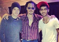 Picture of the Day: Zayn Malik Gets 'Pirate Lessons' from Johnny Depp