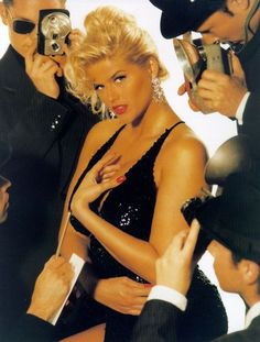 Anna Nicole Smith pictures and photos Ann Nicole, Anna Nicole Smith, She Was Beautiful, Beautiful People, Bleach Blonde Hair, Pictures Of Anna, Kind And Generous, Gentlemen Prefer Blondes, Trophy Wife