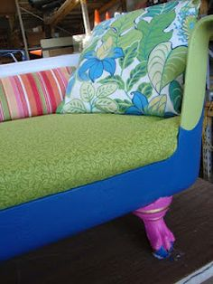 Inspired by all the fun pins of 'Claw Foot Bath Tub Couches', we decided to give it a try and add our own special touches! blackdogsalvage.com