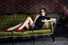 actress Pin Up, Beautiful Women, Photoshoot, Actresses, Poses, Actors, Long Hair Styles, Celebrities, People