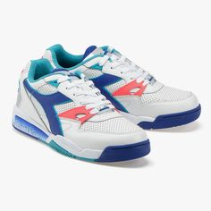 Buy REBOUND ACE of the Diadora Sportswear line on the Diadora Online Shop. REBOUND ACE from Diadora's 1992 catalogue was designed as a tennis shoe. Tennis Sneakers, Shoes Sneakers, Bo Jackson Shoes, Gym Training Shoes, Vintage Tennis, Baskets Nike, Superfly, Unisex, Fashion Shoes