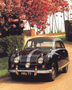 mostly cars, mostly alfas • automotiveporn: 1950 Austin Atlantic