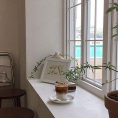 _  찐-한 커피 한 잔 쥬리킹 하고 싶은 오후 😴