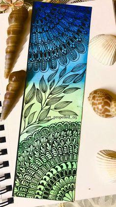 Mandala Art Therapy, Mandala Art Lesson, Mandala Artwork, Mandala Painting, Cute Doodle Art, Doodle Art Designs, Doodle Art Drawing, Zentangle Drawings, Doodles Zentangles