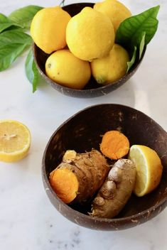 Fresh ginger turmeric lemonade recipe made whole foods: fresh ginger and turmeric root + a touch of black peppercorns to boost the absorption of curcumin. Healthy Juice Recipes, Healthy Juices, Tea Recipes, Healthy Drinks, Whole Food Recipes, Cooking Recipes, Healthy Eats, Turmeric Lemonade, Turmeric Drink