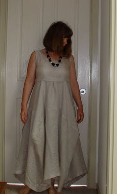 Communing With Fabric: Gallery for the Garment-Formerly-Known-As-TableCloth-Skirt Diy Clothing, Sewing Clothes, Clothing Patterns, Dress Patterns, Home Fashion, Diy Fashion, Fashion Design, Kinds Of Clothes, Lookbook