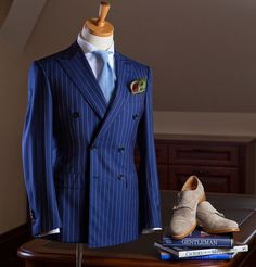 Double breasted Sides-vented wool suit
