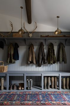 Boot Room Utility, Mudroom Laundry Room, Barn Kitchen, Laundry Room Inspiration, Maine House, Home Remodeling, Decoration, House Design, Humphrey Munson
