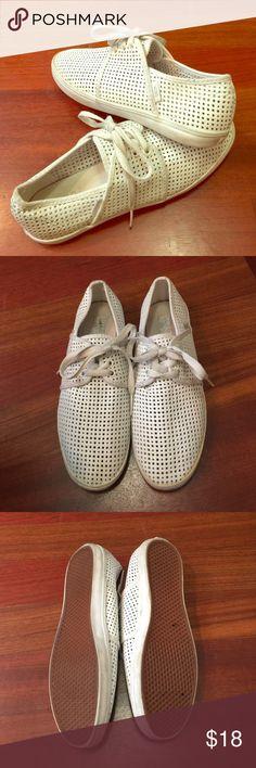 White Vans, size 7.5 White Vans, sz 7.5 women's, some wear Vans Shoes Sneakers