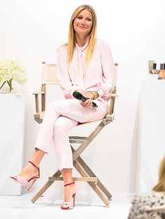 Star Tracks: Friday, July 15, 2016 | NATURAL BEAUTY  | Gwyneth Paltrow is all smiles as she attends the Juice Beauty Exclusive Personal Appearance at Holt Renfrew Flagship Store on Thursday in Toronto, Canada.