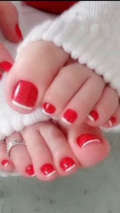 Taste like peppermint sticks :-P Red Pedicure, French Pedicure, Pedicure Nail Art, Toe Nail Art, Pretty Toe Nails, Pretty Toes, Pies Sexy, Nice Toes, Toe Polish