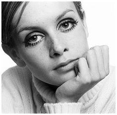 Twiggy | Twiggy influenciou mudanças nos padrões de beleza femininos vigentes