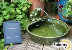 """Solarbrunnen """"Wasserspeiender Frosch"""" aus Keramik"""