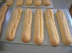 Sos pistokos   Ricetta e procedimento secondo le indicazioni della maestra Carmen Pisu  per i suoi  biscotti sardi.  La sequenza delle fasi ...
