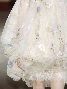 Christian Lacroix Haute Couture Spring/Summer 2006 (from idreamofaworldofcouture tumblr)