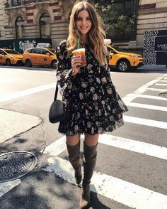 Mini vestido floral com bota over the knee OOTD Magazine Floral mini dress with boot over the knee O Dress Outfits, Casual Outfits, Cute Outfits, Fashion Outfits, Womens Fashion, Dress Fashion, Dress Clothes, Beautiful Outfits, Casual Dresses