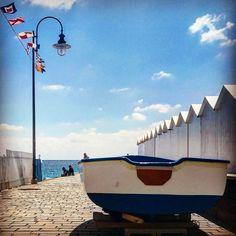 La barca e il pontile. #liguria #april #walking #sea #liguriansea #cogoleto #spring #lazymorning #lazy